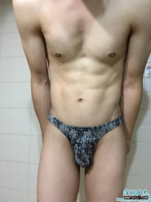性感腹肌丁裤型男