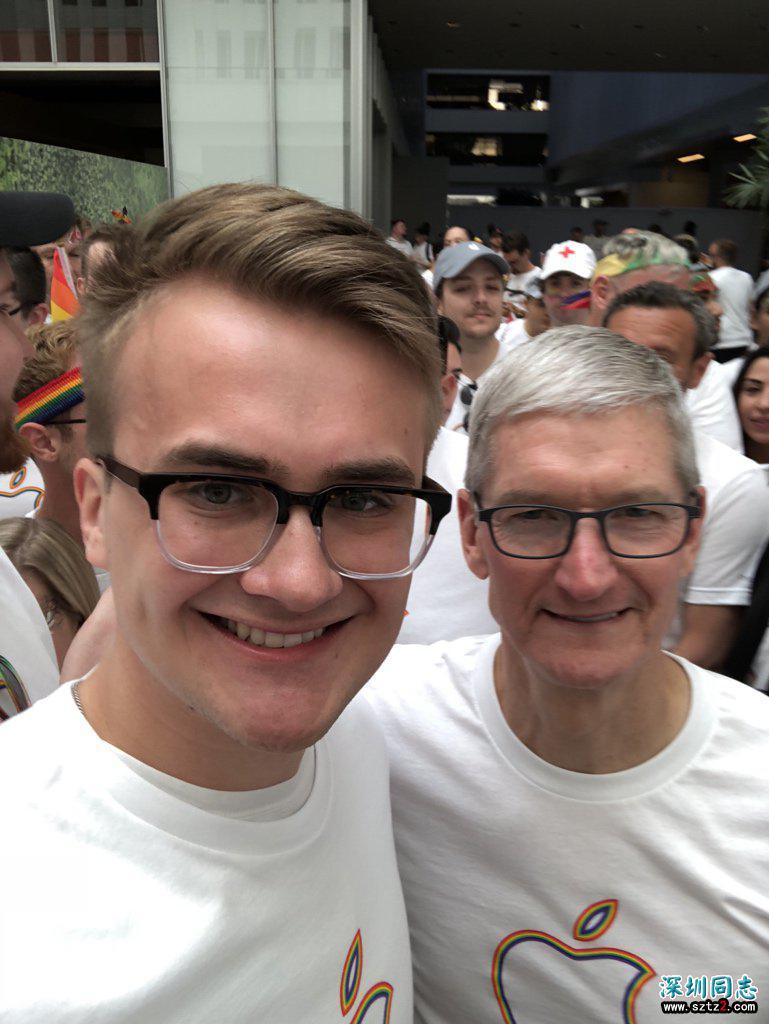 库克等苹果高管参加2018年旧金山同性恋大游行