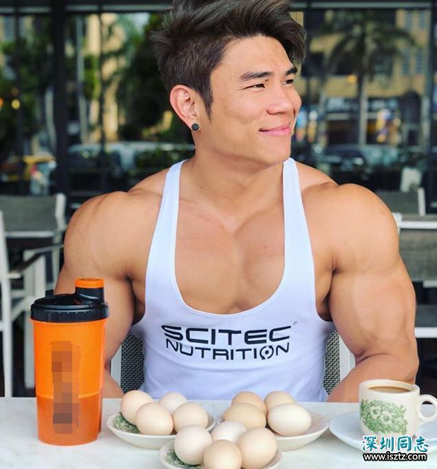 马来西亚健身男神,每天都吃24个鸡蛋,颜值加身材甚是称上完美
