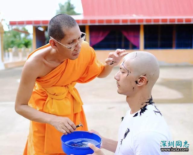 泰国网红男孩Iknotus 出家做和尚了,他的老婆们哭瞎!