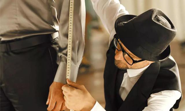 年轻人,比起精英人士你更需要一套定制西装!