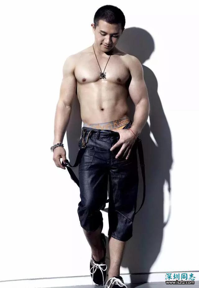 陈一冰发身材照,网友:不是说他身材走样发福了吗?