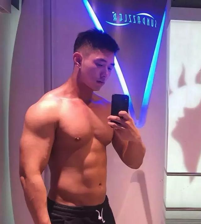 韩国网红男模帅照一览,挑一个做为你的男友吧